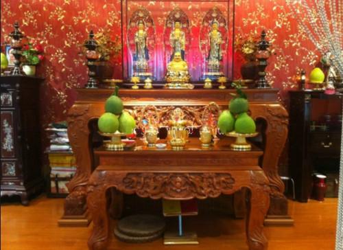Cách trang trí bàn thờ đẹp ngày Tết hợp phong thủy mang lại may mắn