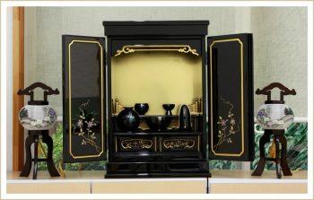 Đặc điểm nổi bật của những mẫu thiết kế bàn thờ kiểu Nhật