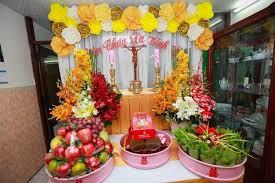 Cách trang trí bàn thờ chúa treo tường trong lễ cưới hỏi.