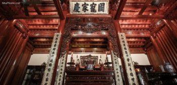 Mẫu bàn thờ kiểu cổ sang trọng cho phòng thờ truyền thống Việt Nam